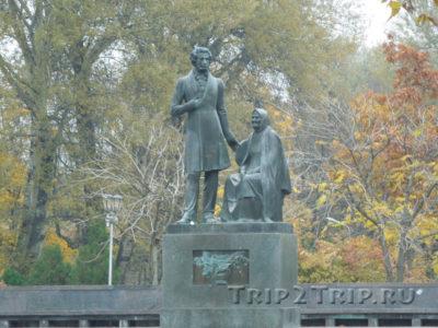 Памятник Пушкину, Летний сад, Псков