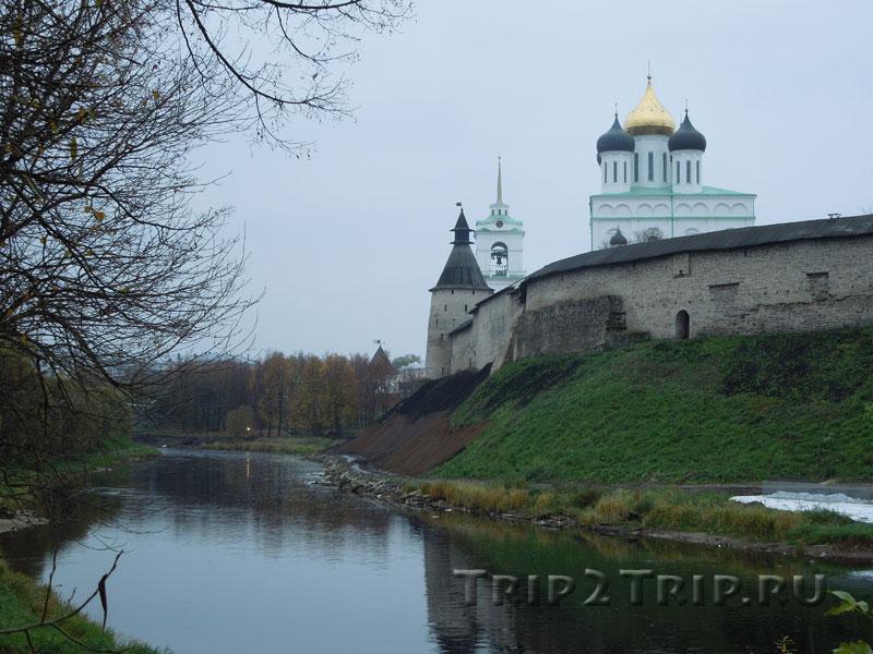 Место бывшего Рыбного Рынка (Рыбников), река Пскова и Кром, Псков