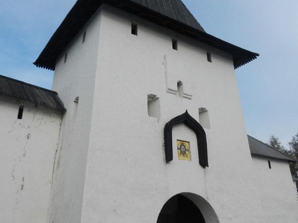 Рыбницкая (Святая) башня, Довмонтов город, Псков