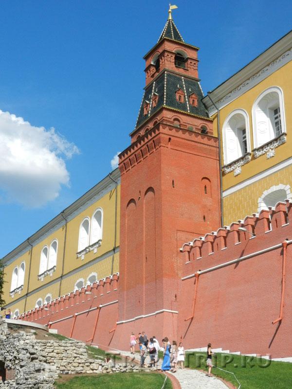Средняя арсенальная (Гранёная) башня, Кремль, Москва