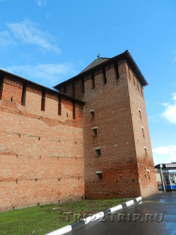 Ямская (Троицкая) башня и прясло кремля, Коломна