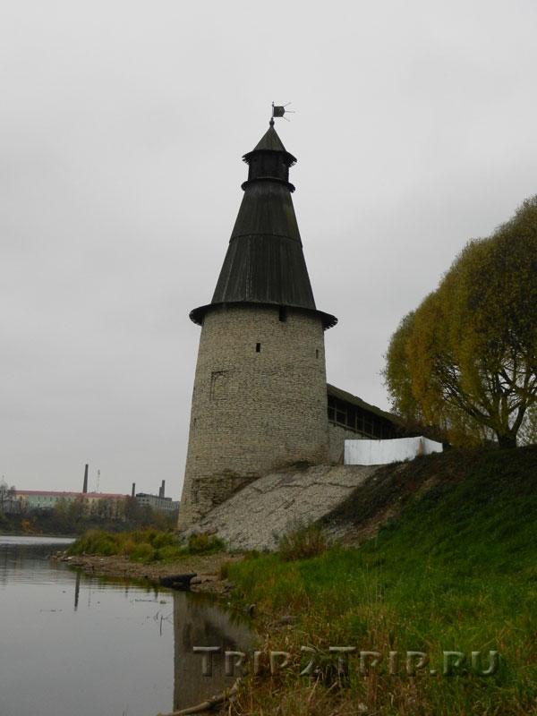Высокая (Воскресенская) башня, Запсковье, Псков