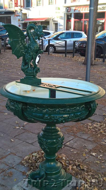 Фонтанчик со скульптурой базельского василиска, Мюлуз