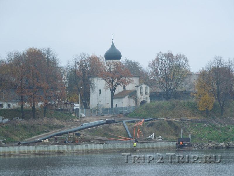 Церковь Георгия со Взвоза, Окольный город, Псков