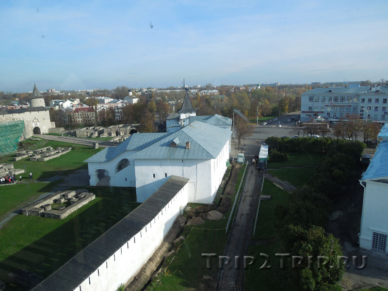 Приказные палаты, Довмонтов город, Псков