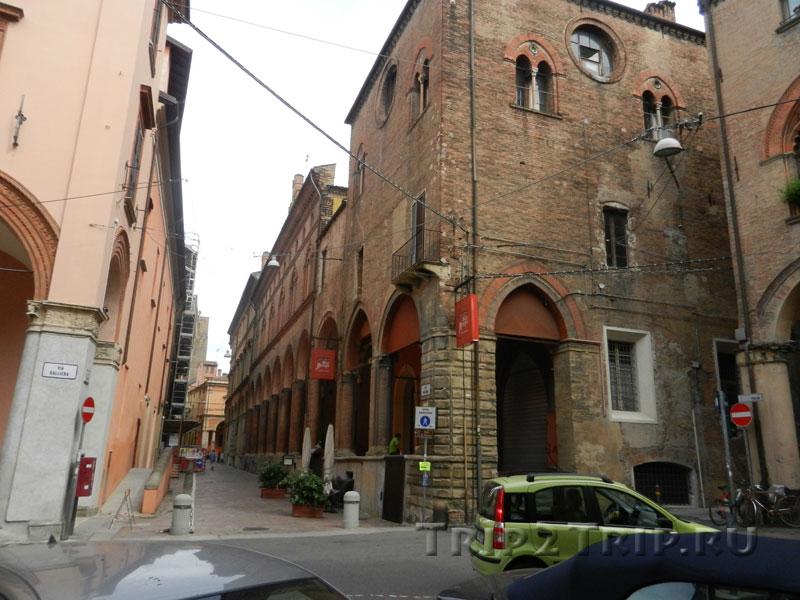 Дом Бенелли, улица Галльери, Болонья