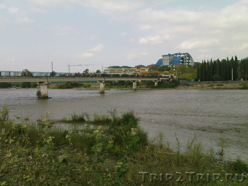 Река Мзымта в Адлере