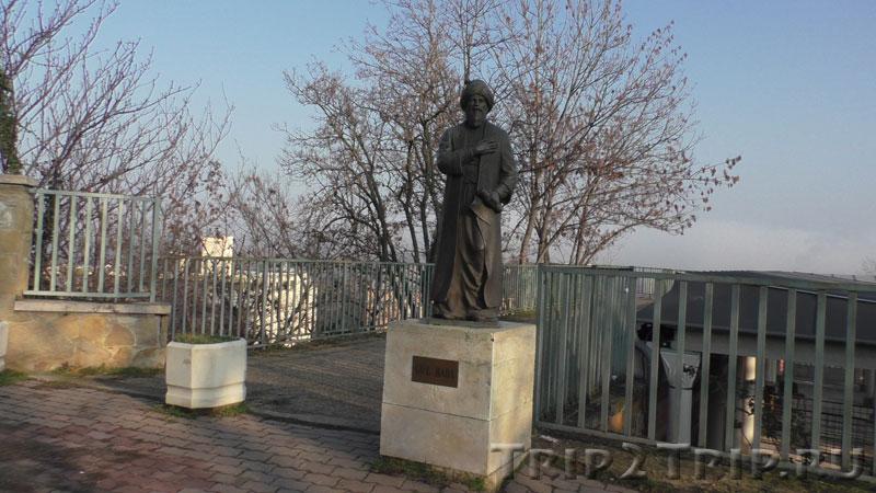 Памятник Гюль Бабе, Будапешт