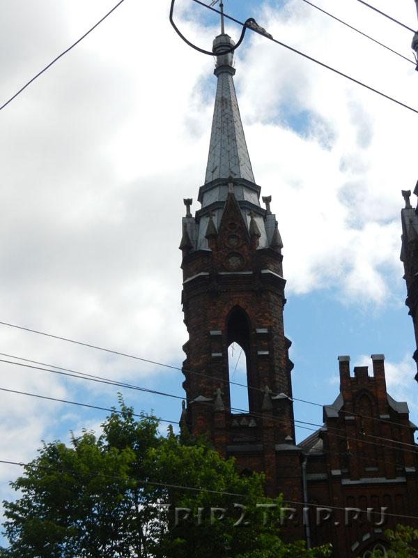 Левая башня костёл Святейшего Сердца Иисусова, Рыбинск