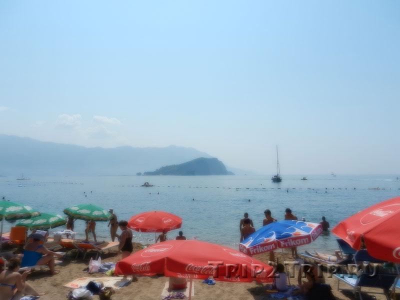 Вид на остров Свети-Николы с пляжа Могрен