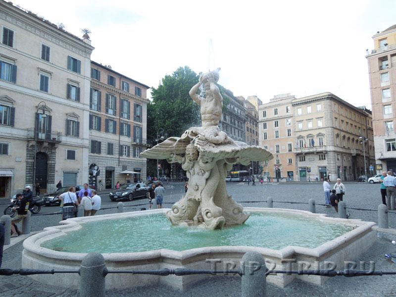 Фонтан Тритон на площади Барберини в Риме