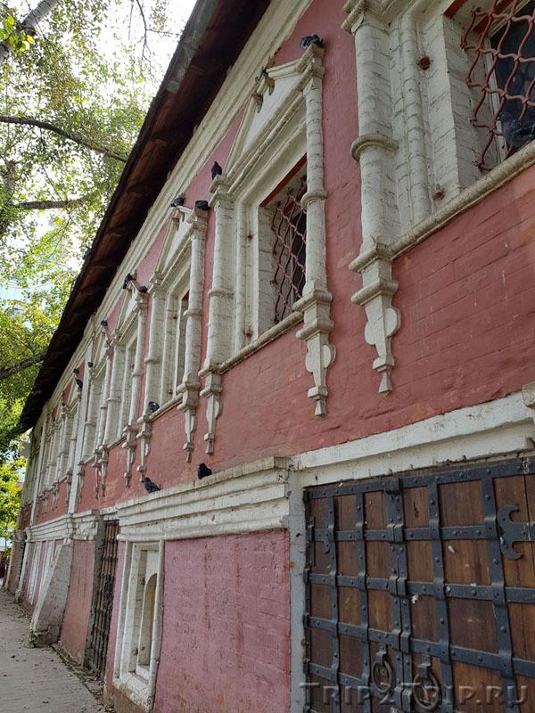 Западный дом притча, лютеранский собор Петра и Павла, Москва
