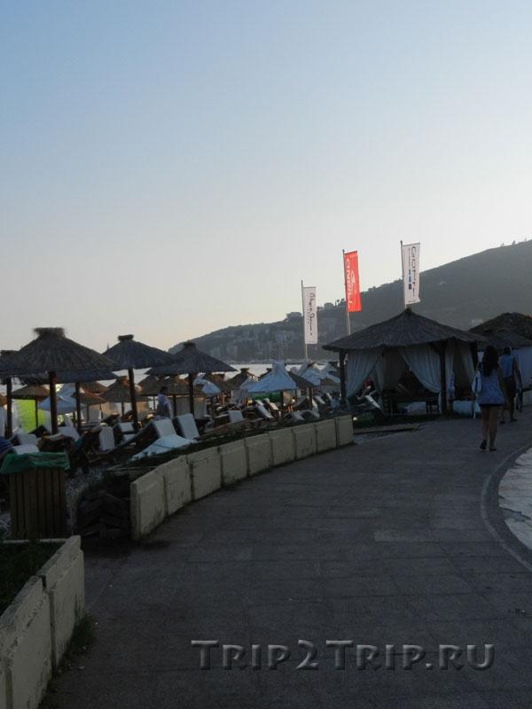 Славянский пляж, Будва