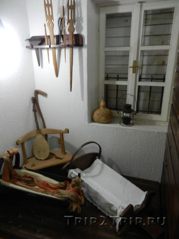 Предметы женского и детского быта черногорцев, Будванский археологический музей