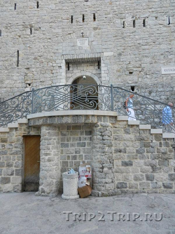 Двойная лестница в крепость Святой Марии, Старая Будва
