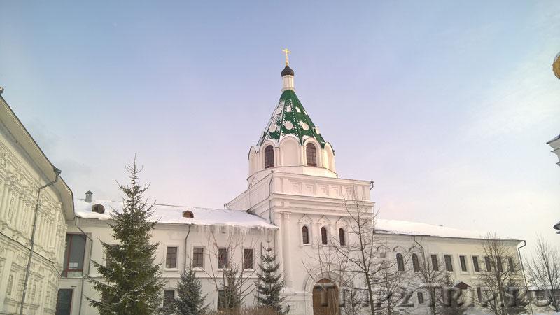 Надвратная церковь Хрисанфа и Дарии, Ипатьевский монастырь