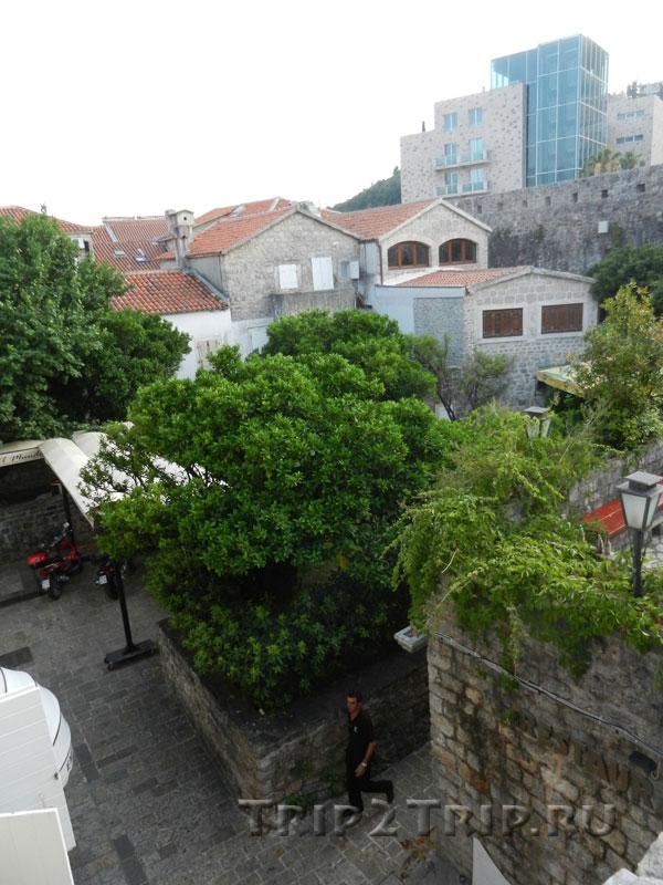 Вид со стены Старого Города Будвы