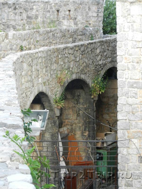Крепостная стена Старой Будвы