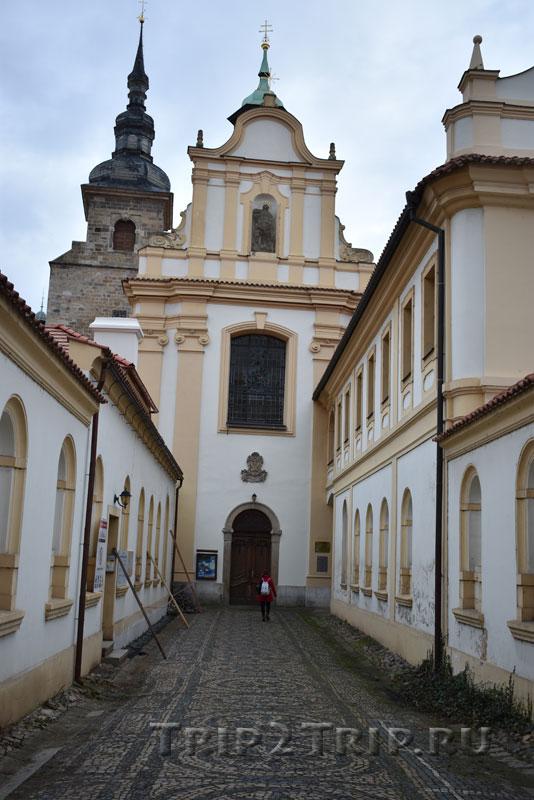 Костёл Успения Пресвятой Богородицы, Францисканский монастырь
