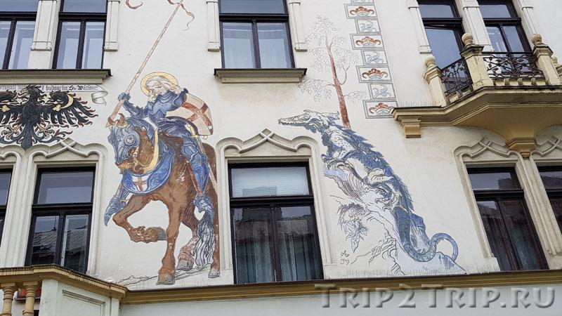 Сграффито (Святой Георгий и дракон) на Лебедином доме