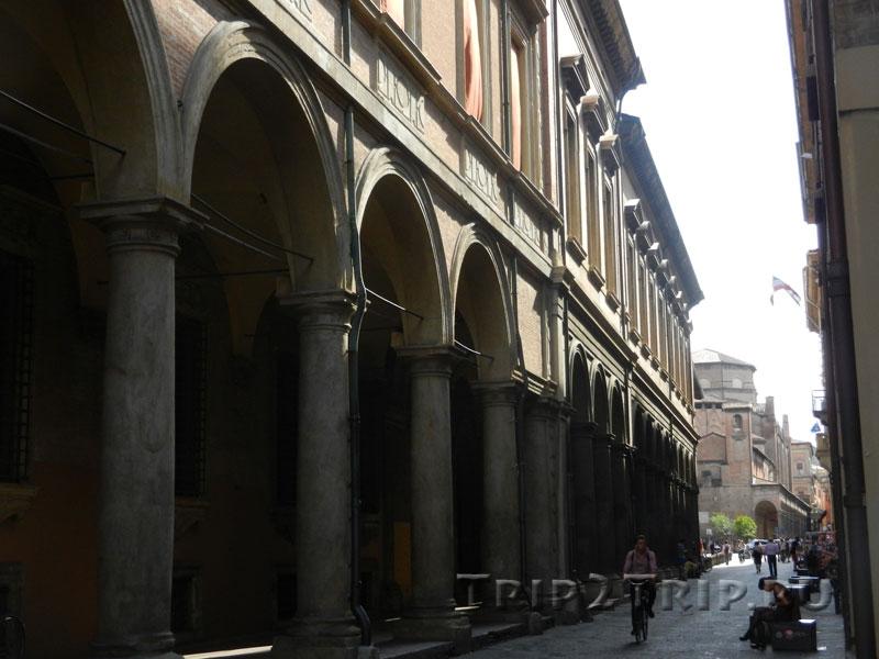 Церковь Сан-Джакомо Маджоре, via Zamboni