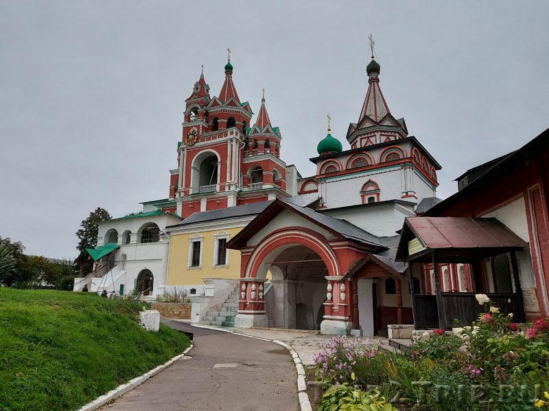 Казанская трапезная и Троицкая церкви, Саввино-Сторожевский монастырь, Звенигород